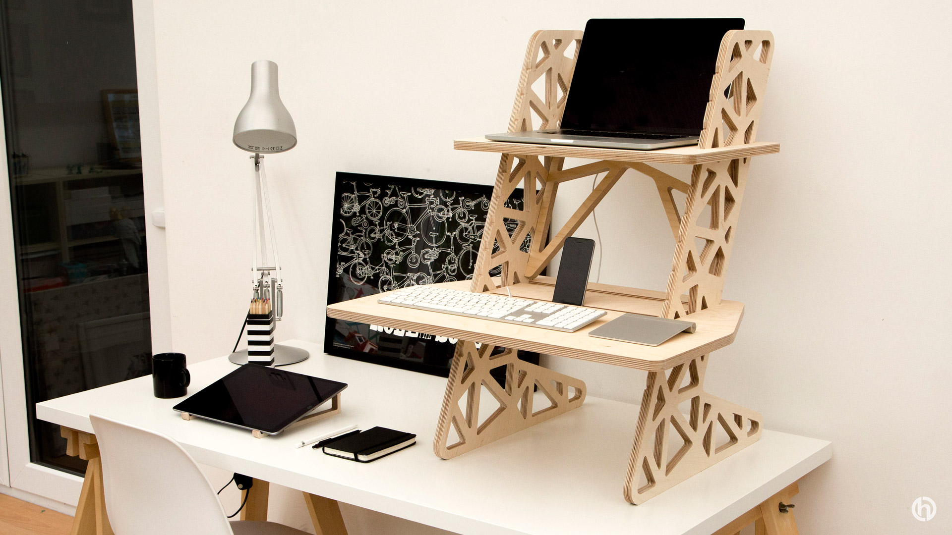 Helmm Standing Desk Product Design